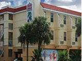 Photo of the Ramada Limited motel