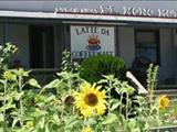 Photo of the El Mono Motel & Latte Da Coffee Cafe camping
