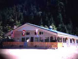 Photo of the Iris Lodge camping
