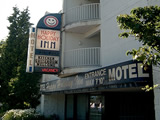 Photo of the Happy Holiday Inn motel